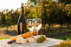 White wine with cheese