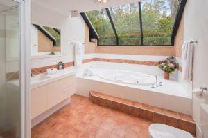 Kookaburra Bathroom